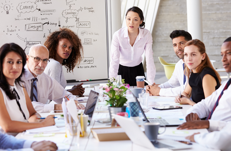 How to manage a business team properly?