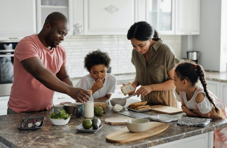 Family-Friendly Ideas to Live Eco-Friendly and Reduce Carbon Footprint